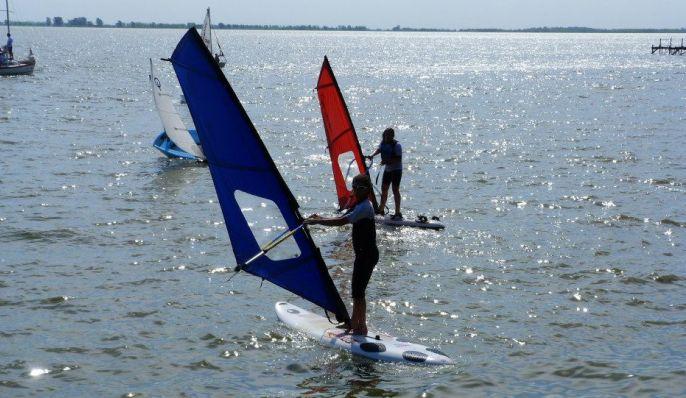 Club de Regatas, Clubes y guarderías náuticas en Chascomús